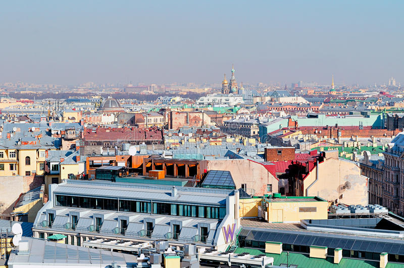 Πανόραμα άποψης ματιών πουλιών της Αγία Πετρούπολης, Ρωσία με το Savior μας στον καθεδρικό ναό αίματος στοκ φωτογραφία με δικαίωμα ελεύθερης χρήσης