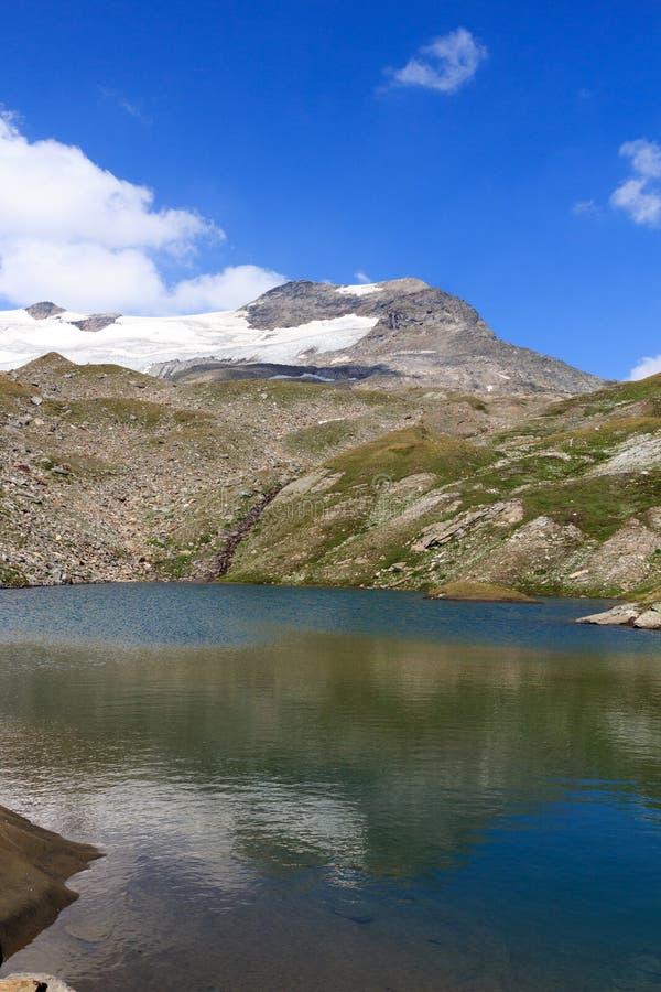 Πανόραμα λιμνών και παγετώνων με το βουνό Kristallwand, Άλπεις Hohe Tauern, Αυστρία στοκ φωτογραφίες