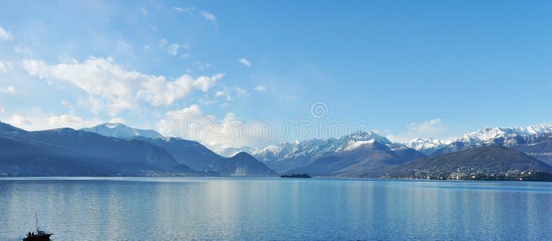 Πανόραμα λιμνών Maggiore στοκ φωτογραφίες με δικαίωμα ελεύθερης χρήσης
