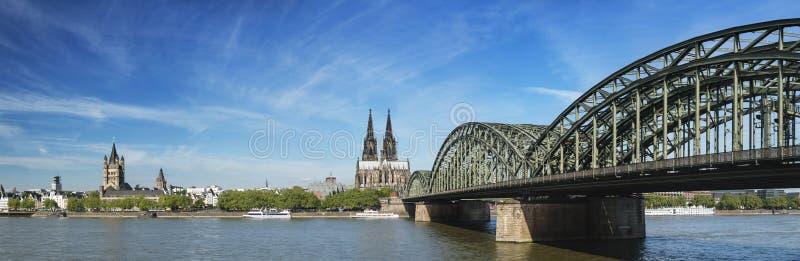 Πανόραμα καθεδρικών ναών της Κολωνίας, Γερμανία στοκ εικόνες με δικαίωμα ελεύθερης χρήσης