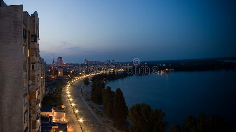 Πανόραμα νύχτας αποβαθρών Obolon στοκ εικόνες
