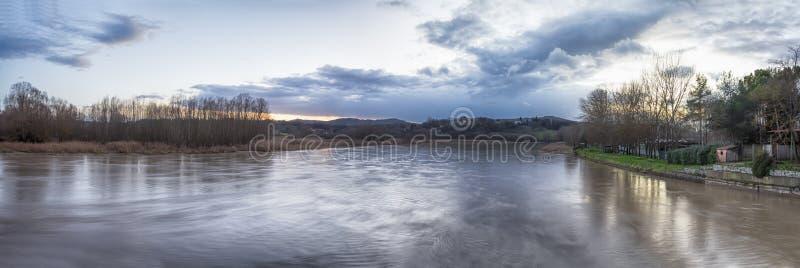 Πανόραμα ποταμών της Τοσκάνης στοκ φωτογραφίες