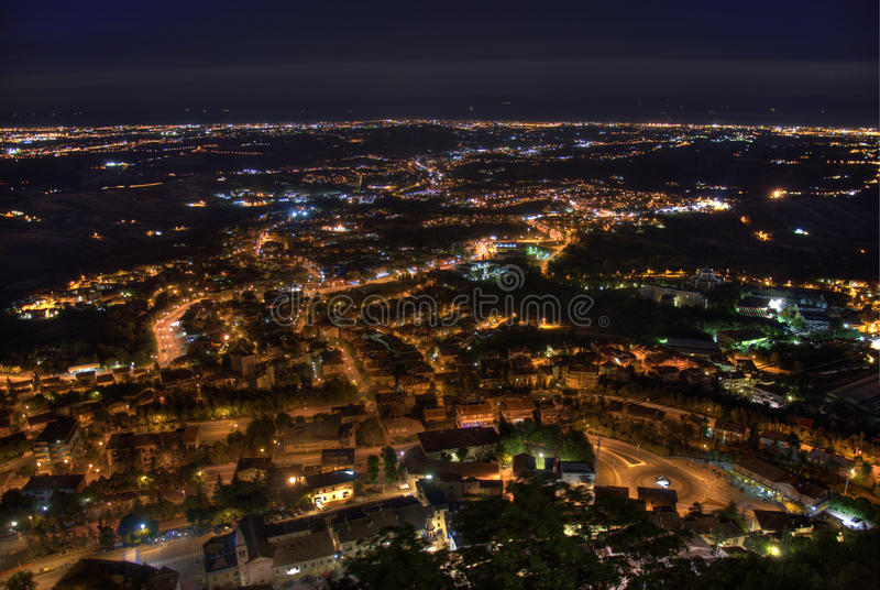 Πανόραμα πόλεων τή νύχτα στοκ εικόνα με δικαίωμα ελεύθερης χρήσης