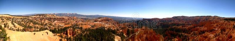 Πανόραμα σημείου ανατολής φαραγγιών του Bryce ευρύ εξαιρετικά στοκ φωτογραφία με δικαίωμα ελεύθερης χρήσης