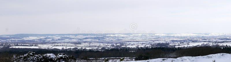 Πανόραμα σκηνή χιονιού επαρχίας στη νοτιοδυτική Αγγλία του Devon στοκ εικόνα