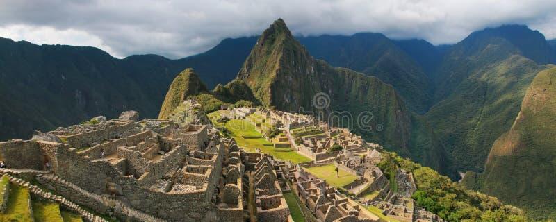 Πανόραμα της ακρόπολης Machu Picchu Incan στο Περού στοκ εικόνα