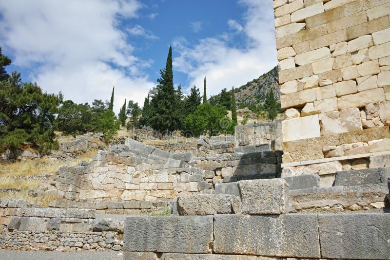 Πανόραμα της αρχαιολογικής περιοχής αρχαίου Έλληνα των Δελφών, Ελλάδα στοκ εικόνες