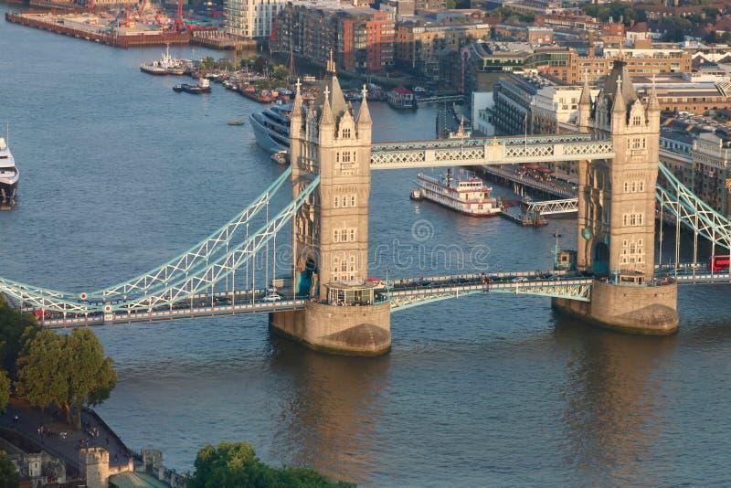 Πανόραμα της γέφυρας πύργων στο Λονδίνο - ποταμός Τάμεσης στοκ φωτογραφίες