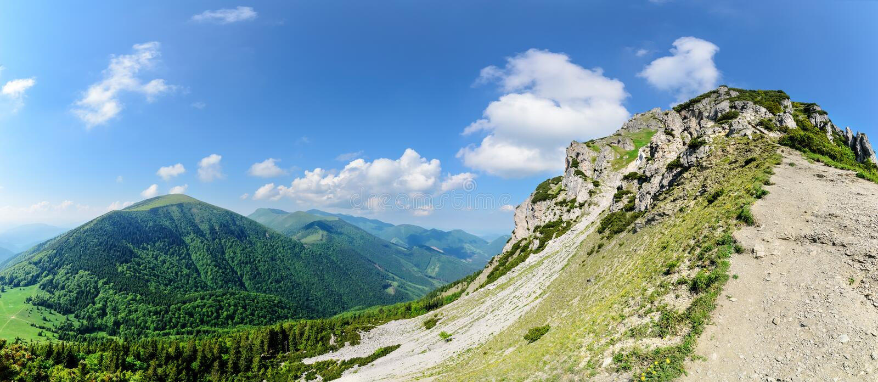 Πανόραμα της κοιλάδας Vratna στο εθνικό πάρκο Mala Fatra στοκ εικόνες