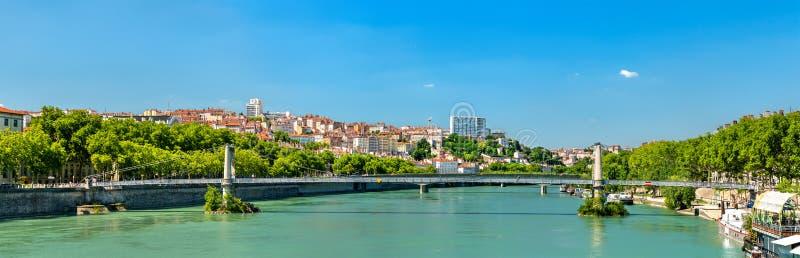 Πανόραμα της Λυών επάνω από τον ποταμό Ροδανού στη Γαλλία στοκ εικόνα