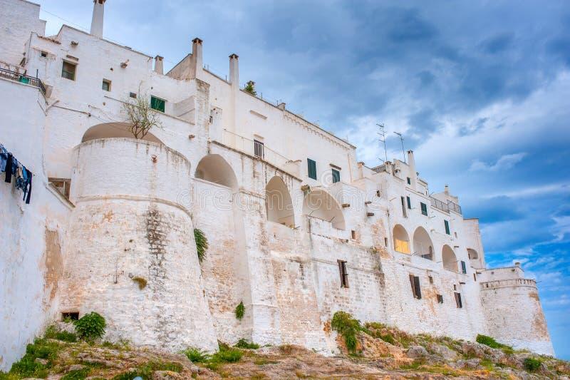Πανόραμα της μεγαλοπρεπούς μεσαιωνικής πόλης Ostuni στοκ φωτογραφίες με δικαίωμα ελεύθερης χρήσης
