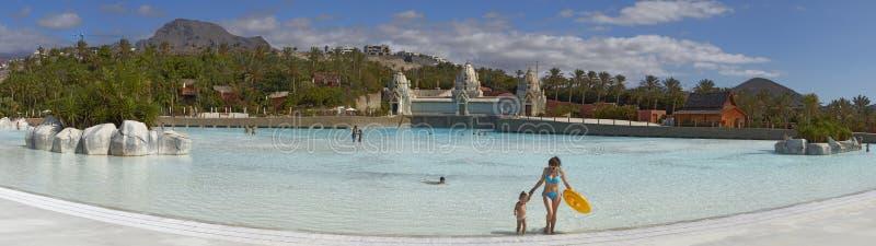 Πανόραμα της πισίνας στο πάρκο του Σιάμ στοκ φωτογραφία με δικαίωμα ελεύθερης χρήσης