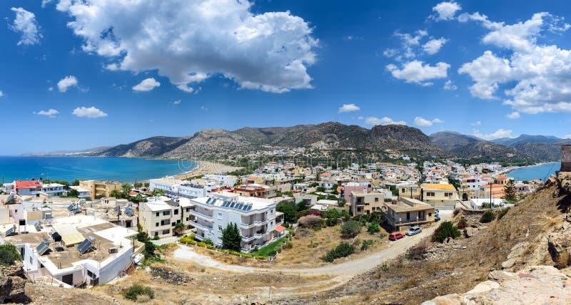 Πανόραμα της πόλης Paleochora, που βρίσκεται στο δυτικό μέρος του νησιού της Κρήτης στοκ φωτογραφίες με δικαίωμα ελεύθερης χρήσης