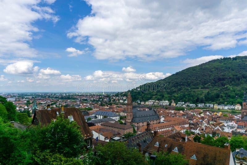 Πανόραμα της Χαϋδελβέργης στο μπλε ουρανό Baden Wuerttemberg, Γερμανία στοκ φωτογραφία με δικαίωμα ελεύθερης χρήσης