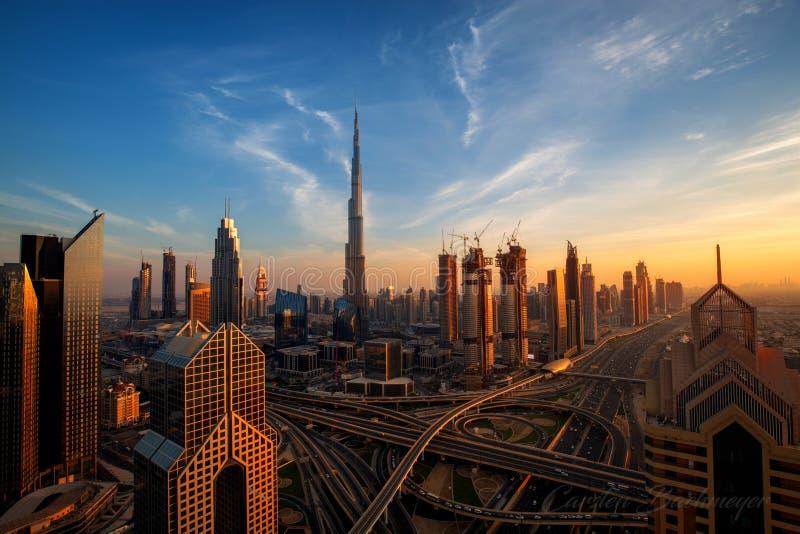 Πανόραμα του Ντουμπάι κεντρικός στην ανατολή στοκ εικόνες