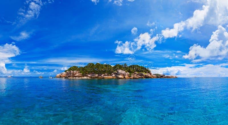 Πανόραμα του τροπικού νησιού στοκ εικόνες με δικαίωμα ελεύθερης χρήσης