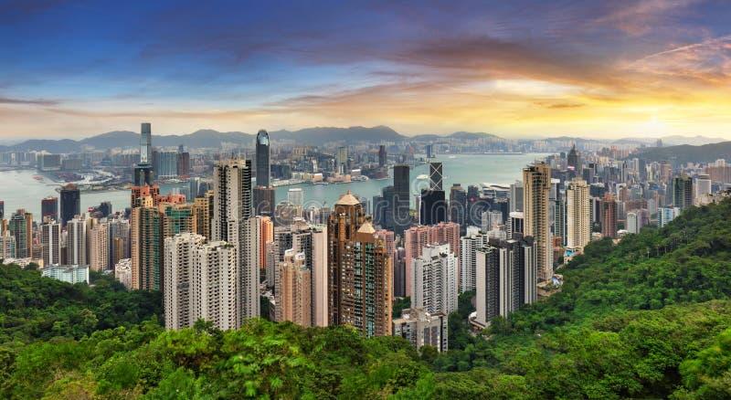 Πανόραμα του Χονγκ Κονγκ - δραματική ανατολή του ήλιου από την κορυφή της Βικτώρια στοκ φωτογραφία