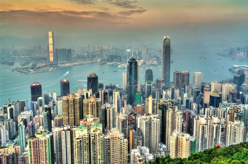 Πανόραμα του Χονγκ Κονγκ το βράδυ, Κίνα στοκ εικόνα
