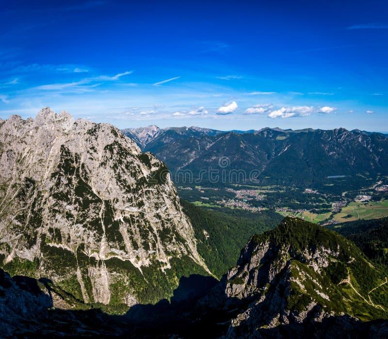 Πανόραμα των δύσκολων βουνών στις Άλπεις, Γερμανία στοκ φωτογραφίες με δικαίωμα ελεύθερης χρήσης