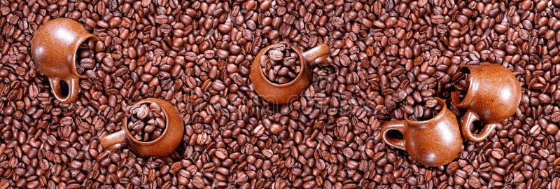 Πανόραμα των ψημένων φασολιών καφέ στοκ φωτογραφία με δικαίωμα ελεύθερης χρήσης