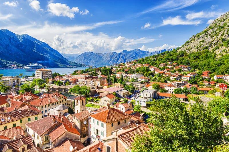 Πανόραμα Kotor και μιας άποψης των βουνών, Μαυροβούνιο στοκ φωτογραφία με δικαίωμα ελεύθερης χρήσης