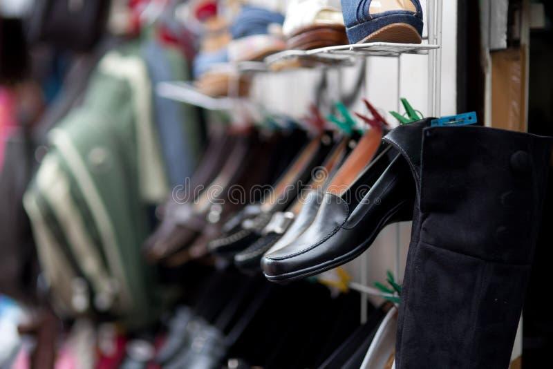 παπούτσια αγοράς στοκ φωτογραφία με δικαίωμα ελεύθερης χρήσης