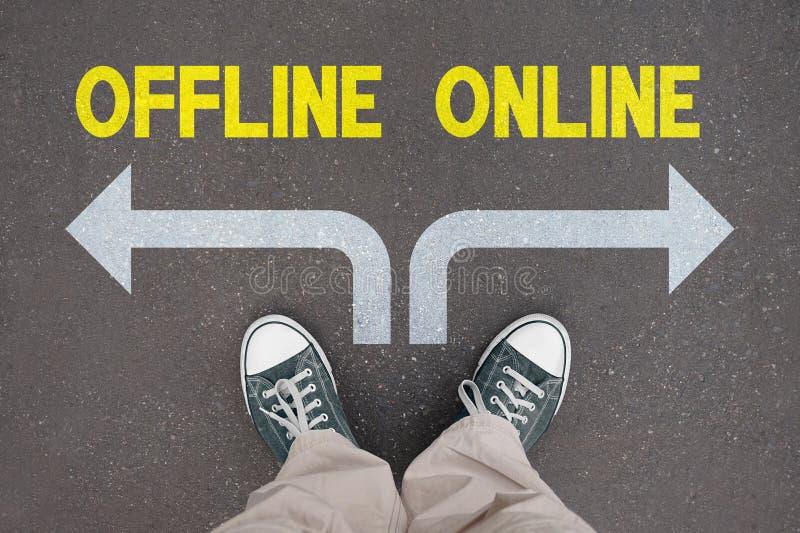 Παπούτσια, εκπαιδευτές - on-line, off-$l*line διανυσματική απεικόνιση