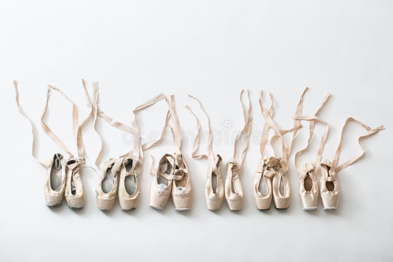 Παπούτσια μπαλέτου pointe που απομονώνονται στοκ εικόνα