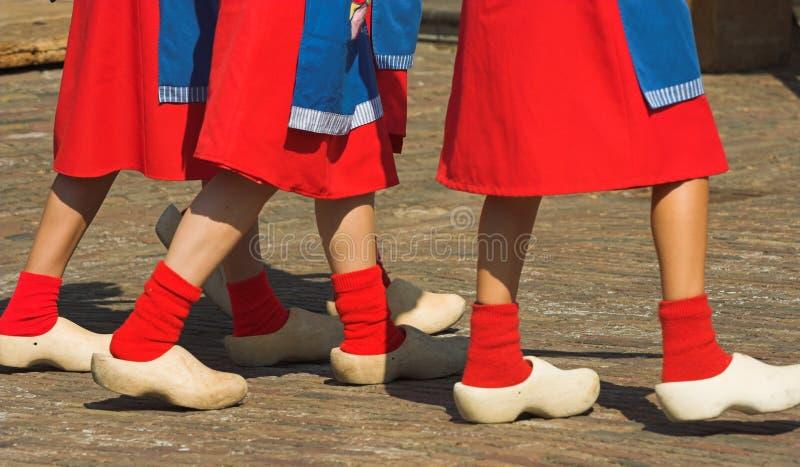 Download παπούτσια ξύλινα στοκ εικόνες. εικόνα από τουρισμός, τουρίστας - 1534434