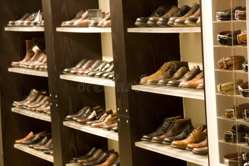 Παπούτσια φορεμάτων ατόμων στοκ φωτογραφία με δικαίωμα ελεύθερης χρήσης