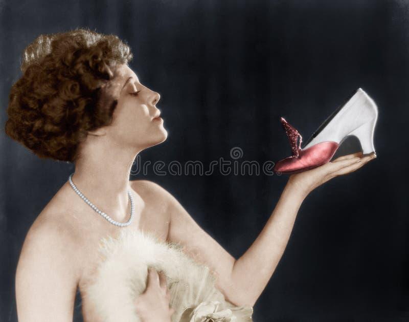 Παπούτσι εκμετάλλευσης γυναικών (όλα τα πρόσωπα που απεικονίζονται δεν ζουν περισσότερο και κανένα κτήμα δεν υπάρχει Εξουσιοδοτήσ στοκ φωτογραφίες με δικαίωμα ελεύθερης χρήσης