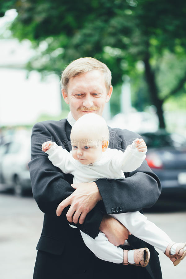 Παππούς με τον εγγονό του στοκ φωτογραφίες με δικαίωμα ελεύθερης χρήσης