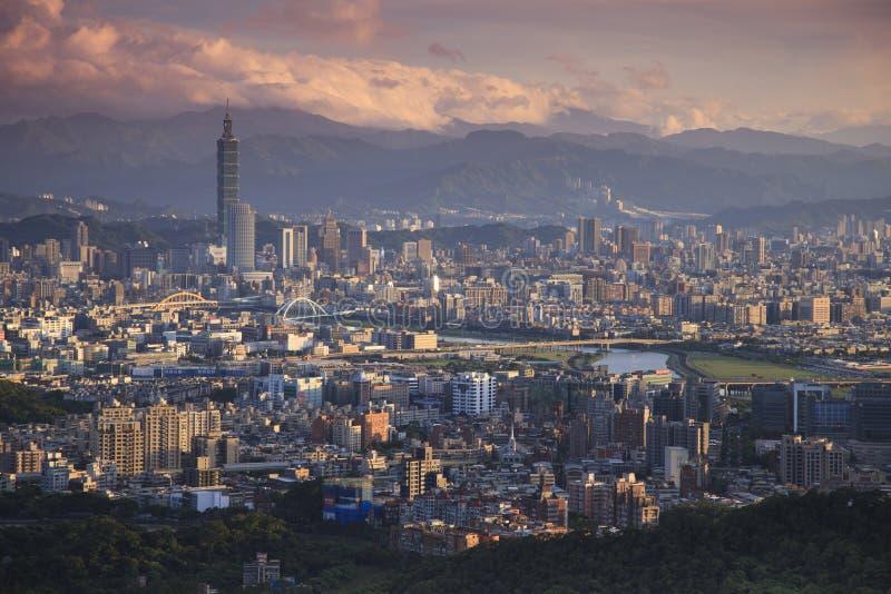 Παράβλεψη της άποψης της πόλης της Ταϊπέι στοκ εικόνα