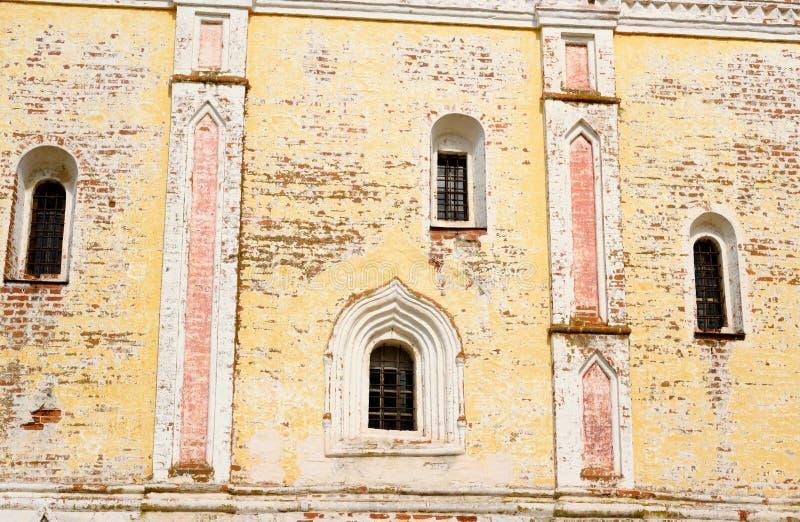 Παράθυρα του καθεδρικού ναού στο μοναστήρι kirillo-Belozersky στοκ εικόνες