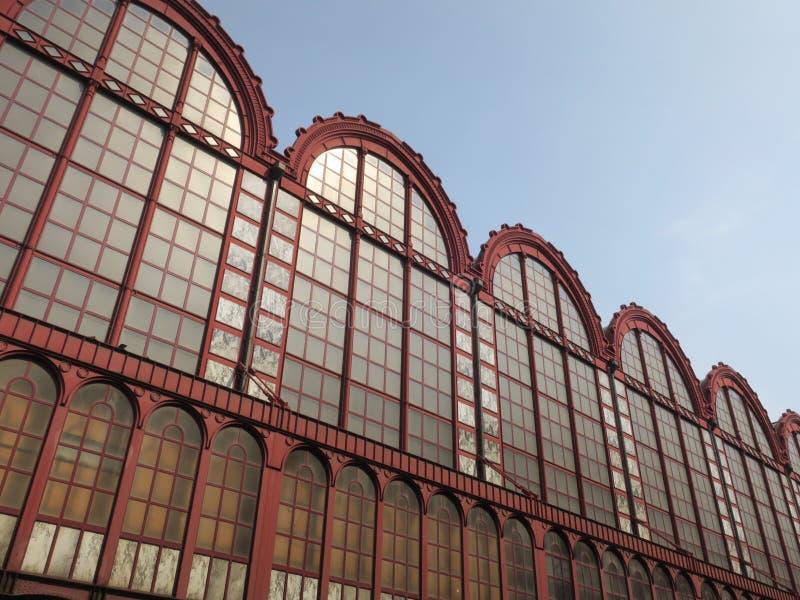Παράθυρα του κεντρικού σιδηροδρομικού σταθμού στην Αμβέρσα Βέλγιο στοκ φωτογραφία με δικαίωμα ελεύθερης χρήσης