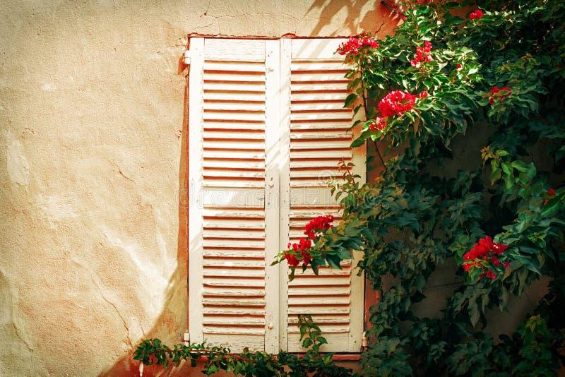 Παράθυρο από Άγιο Tropez Γαλλία στοκ εικόνες με δικαίωμα ελεύθερης χρήσης