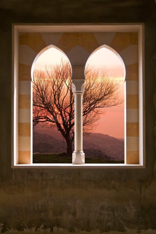 παράθυρο βιλών πετρών στοκ φωτογραφία με δικαίωμα ελεύθερης χρήσης
