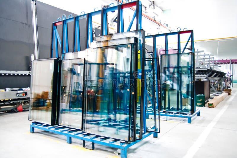 παράθυρο γυαλιού εργοστασίων στοκ φωτογραφία