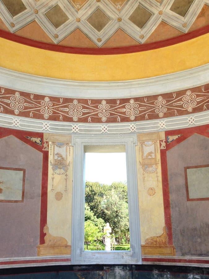 Παράθυρο επάνω στο βοτανικό κήπο του Παλέρμου στοκ φωτογραφίες