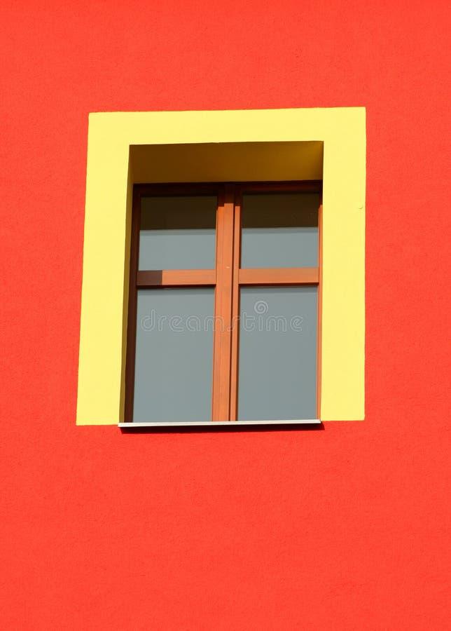 Download παράθυρο κίτρινο στοκ εικόνες. εικόνα από πολύχρωμος, πλήρης - 1533622