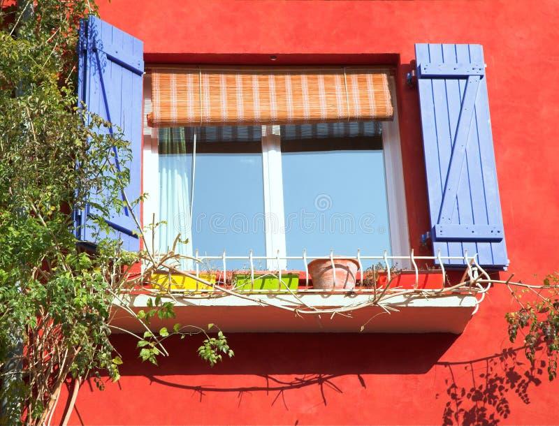 παράθυρο παραθυρόφυλλων στοκ φωτογραφία