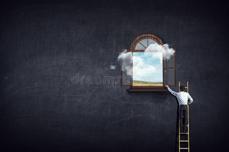 Παράθυρο στην επιτυχία Μικτά μέσα στοκ φωτογραφία με δικαίωμα ελεύθερης χρήσης
