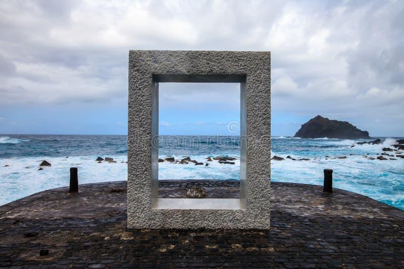 Παράθυρο στη θάλασσα στοκ φωτογραφίες με δικαίωμα ελεύθερης χρήσης