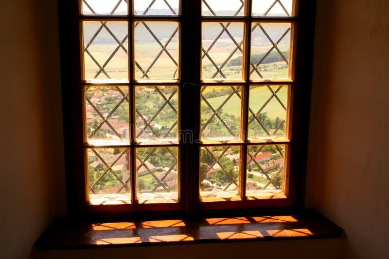 Παράθυρο στο κάστρο δουλοπάροικων στοκ εικόνες