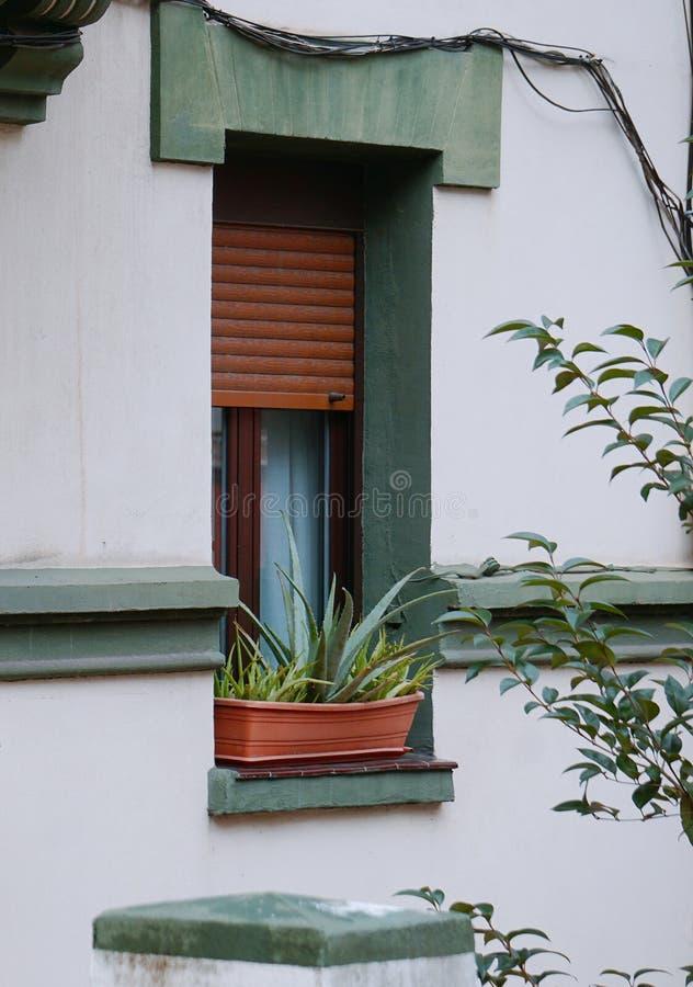 Παράθυρο στο σπίτι στοκ φωτογραφίες