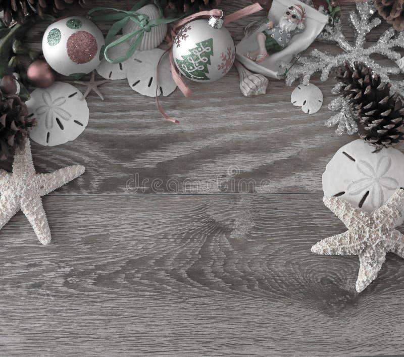 Download Παράκτια Χριστούγεννα στοκ εικόνα. εικόνα από διακοπές - 62700703