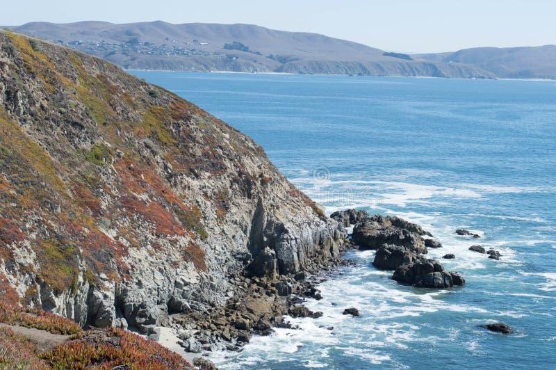 Παράκτιοι απότομοι βράχοι του κόλπου Bodega στοκ φωτογραφία με δικαίωμα ελεύθερης χρήσης