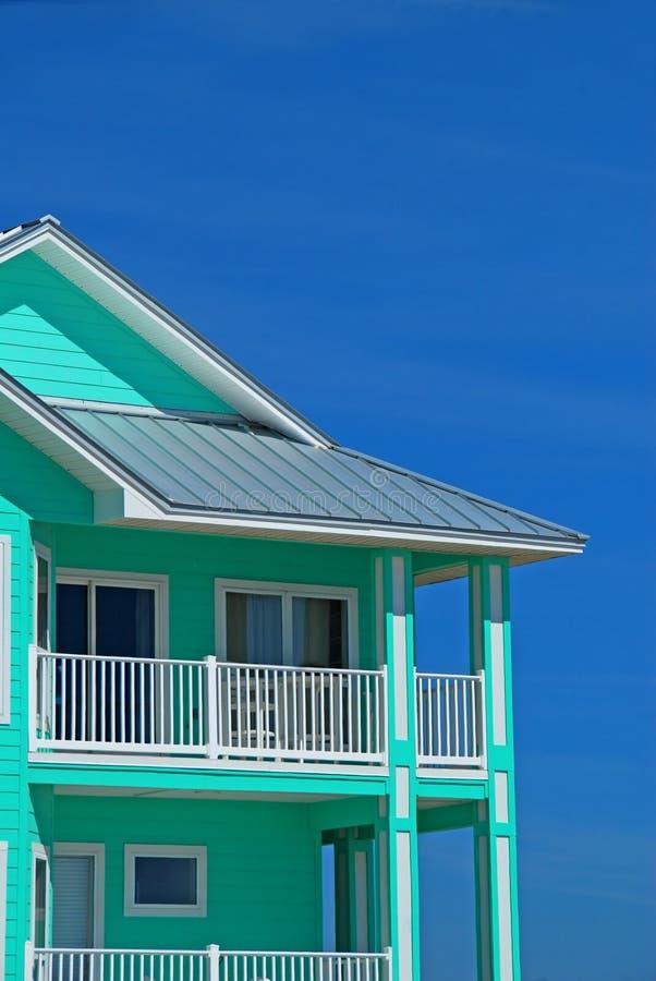 παράκτιο χρωματισμένο σπίτι sherbert στοκ φωτογραφίες με δικαίωμα ελεύθερης χρήσης