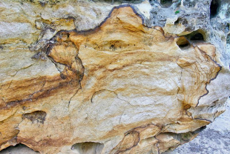 Παράξενος γεωλογικός σχηματισμός - σίδηρος στους βράχους ψαμμίτη στοκ φωτογραφία με δικαίωμα ελεύθερης χρήσης