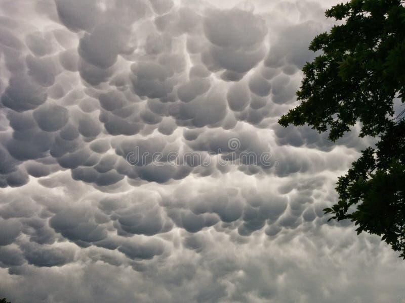 Παράξενο να φανεί σύννεφα στοκ φωτογραφίες με δικαίωμα ελεύθερης χρήσης